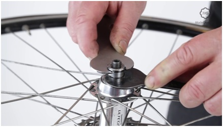 Adjust A Bike Wheel's Cup And Cone Rear Hub - YouTube